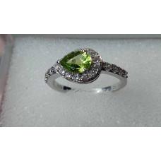 olivín prsten Ag